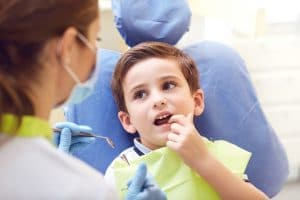 child's dental checkup